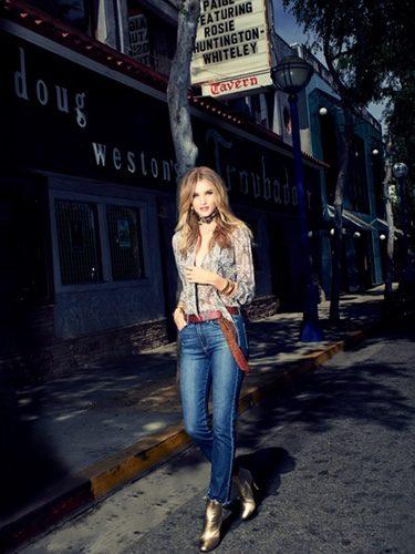 Rosie Huntington-Whiteley vestida de Paige otoño/invierno 2016/2017