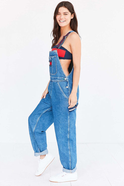 Peto largo de Tommy Jeans para Urban Outfitters