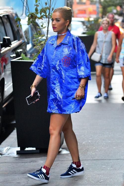 Rita Ora saliendo de su casa en Manhattan