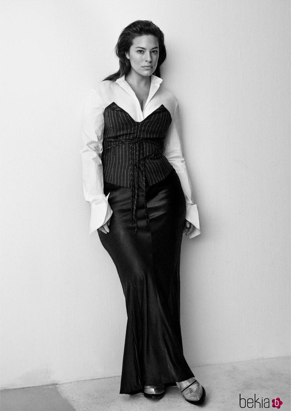 8b454f644 Ashley Graham con una falda y camisa de H M - Ashley Graham lanza ...