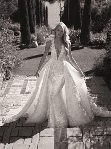 Romee Strijd con un vestido de Pronovias colección 2017