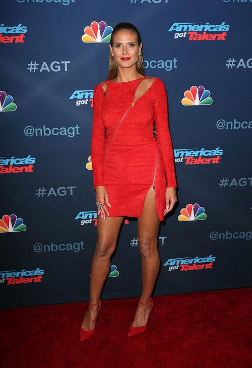 Heidi Klum con un total look rojo en el photocall de 'Got Talent'