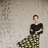 Nieves Álvarez con una falda negra y amarilla de Trucco otoño/invierno 2016/2017