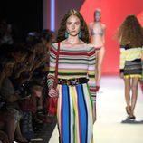 Pantalones geométricos de Desigual primavera/verano 2017 en la Semana de la Moda de Nueva York