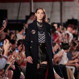 Abrigo militar de Tommy Hilfiger otoño/invierno 2016/2017 en la Semana de la Moda de Nueva York