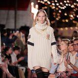 Jersey largo de Tommy Hilfiger otoño/invierno 2016/2017 en la Semana de la Moda de Nueva York