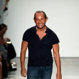 Custo Dalmau tras su desfile primavera/verano 2017 en Nueva York Fashion Week
