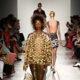 Look dorado de Custo Barcelona de la colección primavera/verano 2017 en Nueva York Fashion Week