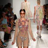 Vestido de rejilla de Custo Barcelona de la colección primavera/verano 2017 en Nueva York Fashion Week