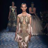 Vestido de flecos de Marchesa primavera/verano 2017 en la Semana de la Moda de Nueva York