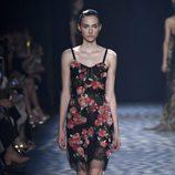 Vestido mini con flores de Marchesa primavera/verano 2017 en la Semana de la Moda de Nueva York