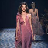 Vestido rosa de Marchesa primavera/verano 2017 en la Semana de la Moda de Nueva York