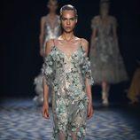 Vestido de flores de Marchesa primavera/verano 2017 en la Semana de la Moda de Nueva York