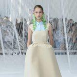 Vestido nude de Delpozo primavera/verano 2017 en la Semana de la Moda de Nueva York