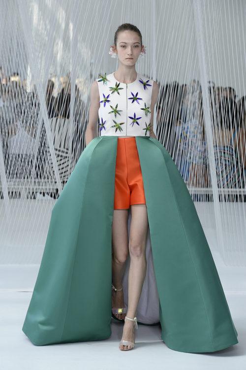 Falda con volúmen de Delpozo primavera/verano 2017 en la Semana de la Moda de Nueva York