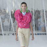 Camisa rosa fucsia de Delpozo primavera/verano 2017 en la Semana de la Moda de Nueva York