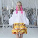 Falda de cuadros de Delpozo primavera/verano 2017 en la Semana de la Moda de Nueva York