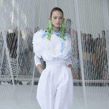 Total look blanco de Delpozo primavera/verano 2017 en la Semana de la Moda de Nueva York