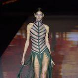 Vestido con forma de hoja de Andrés Sardá primavera/verano 2017 en la Semana de la Moda de Madrid