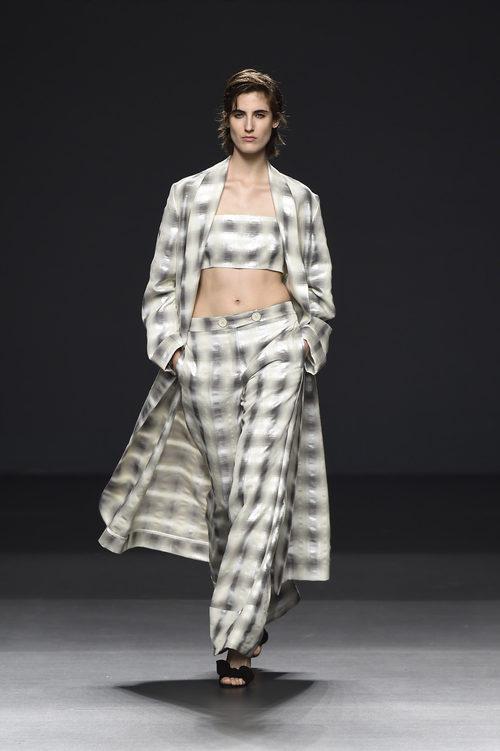 Conjunto de cuadros de Ángel Schlesser primavera/verano 2017 en Madrid Fashion Week