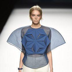 Conjunto de falda y cuerpo transparente de Devota & Lomba primavera/verano 2017 en Madrid Fashion Week