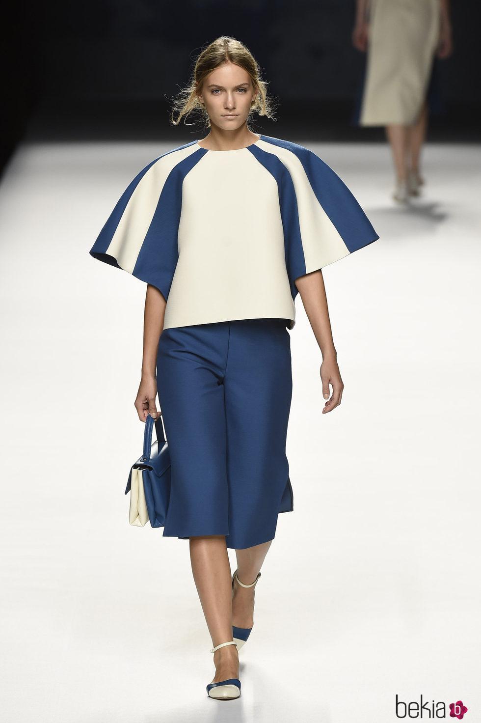 Conjunto de cuerpo y pantalón de Devota & Lomba primavera/verano 2017 en Madrid Fashion Week