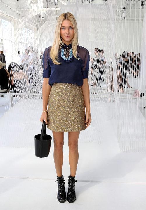 Jessica Hart en el desfile de Delpozo en la Semana de la Moda de Nueva York
