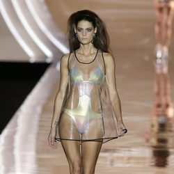 Vestido transparente de Dolores Cortés primavera/verano 2017 en la Madrid Fashion Week