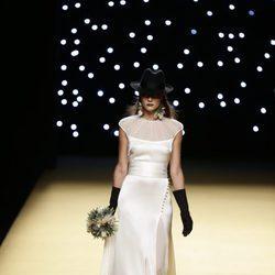 Vestido de novia de Juanjo Oliva primavera/verano 2017 en la Madrid Fashion Week