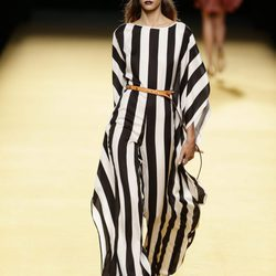 Nueva colección primavera/verano 2017 de Juanjo Oliva en la Madrid Fashion Week