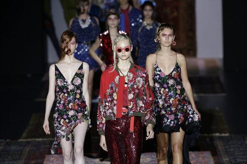 Modelos del desfile de Ana Locking colección primavera/verano 2017 en la Madrid Fashion Week