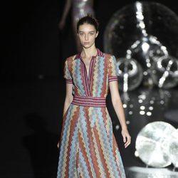 Vestido de colores años 50 de Teresa Helbig primavera/verano 2017 en Madrid Fashion Week