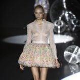 Falda de flores y blusa transparente de Teresa Helbig primavera/verano 2017 en Madrid Fashion Week