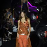 Conjunto de pantalón naranja de Alvarno primavera/verano 2017 para Madrid Fashion Week