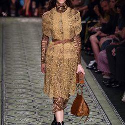 Burberry desvela su colección primavera/verano 2017 en la Fashion Week de Londres