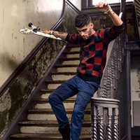 Zayn Malik con unos botines de su propia línea de calzado para Giuseppe Zanotti