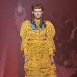 Vestido amarillo de Gucci primavera/verano 2017 en la Milán Fashion Week
