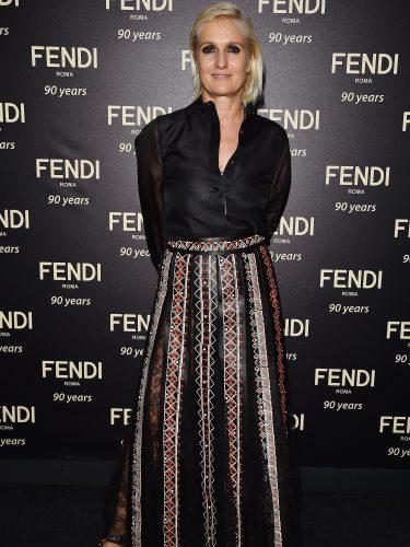 Maria Grazia Chiuri posando en la fiesta del 90º aniversario de Fendi en Roma