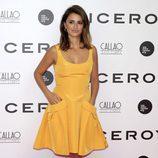 Penélope Cruz con un vestido amarillo en el estreno de 'Soy uno entre cien mil'
