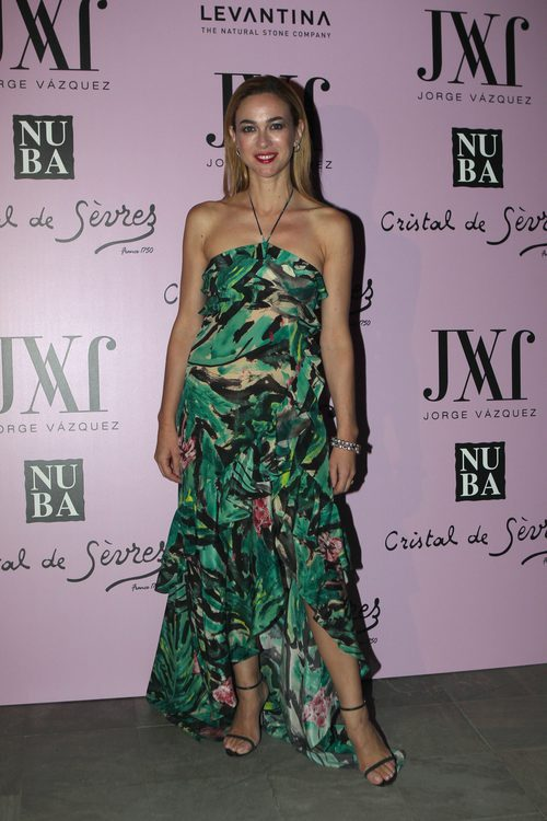 Marta Hazas con un vestido estampado en el desfile 'Mogambo' de Jorge Vázquez en la Madrid Fashion Week
