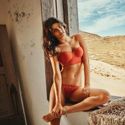 Isabeli Fontana diseña su propia línea de lencería con Morena Rosa