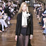 Falda negra con transparencias de Lanvin primavera/verano 2017 en la París Fashion Week