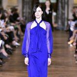 Vestido azul intenso de Lanvin primavera/verano 2017 en la París Fashion Week