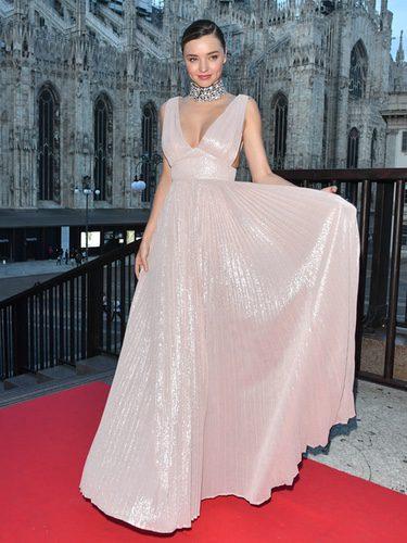 Miranda Kerr en el desfile de La Koradior en la Milán Fashion Week