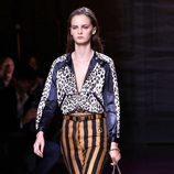 Pantalón y blusón estampado de Nina Ricci de la colección primavera/verano 2017 en la Paris Fashion Week