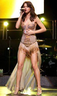 Selena Gomez, brillos sobre el escenario