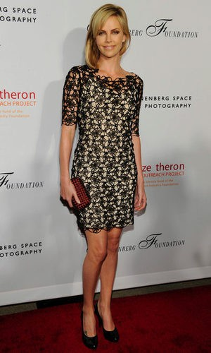 Charlize Theron, deslumbrante en una gala humanitaria