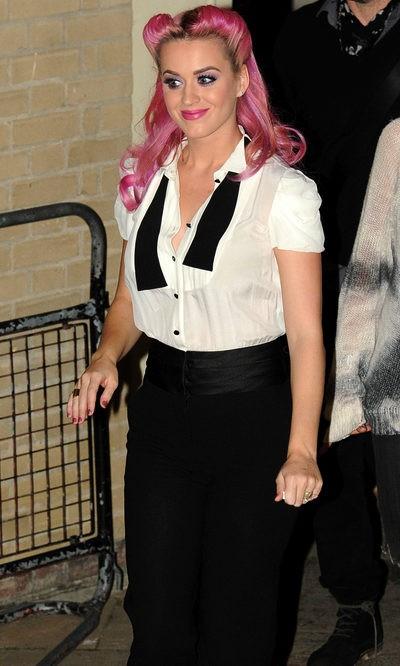 Katy Perry, una 'camarera pink'