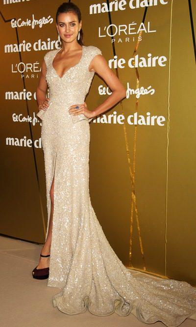Irina Shayk apuesta por un look glitter