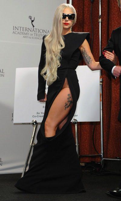 Lady Gaga, la dama de negro